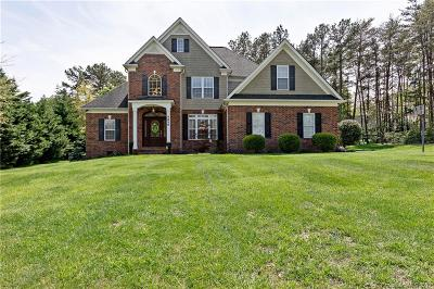 Catawba County Single Family Home For Sale: 4036 Tanglewood Lane NE