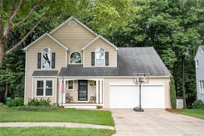 Charlotte Single Family Home For Sale: 9722 Harris Glen Drive
