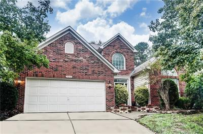 Single Family Home Under Contract-Show: 5818 Downfield Wood Drive