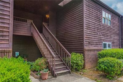 Condo/Townhouse For Sale: 8047 Cedar Glen Drive