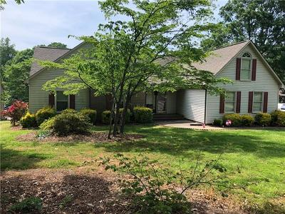 Denver Single Family Home For Sale: 8252 Blades Trail