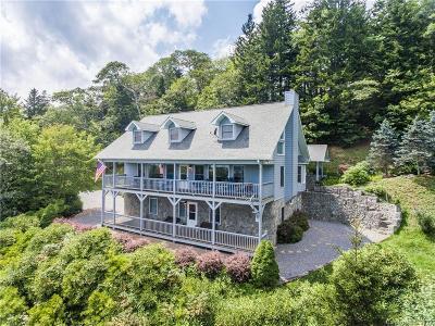 Jackson County Single Family Home For Sale: 4330 Greenspire Drive