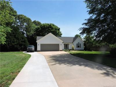Denver Single Family Home Under Contract-Show: 6567 Forest Creek Drive