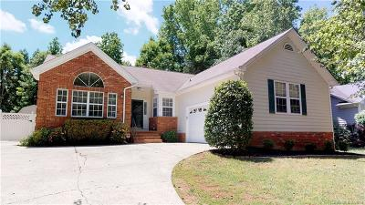 Matthews Single Family Home For Sale: 2910 Cross Tie Lane