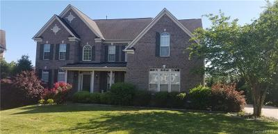 Matthews Single Family Home For Sale: 1118 Butterburr Drive