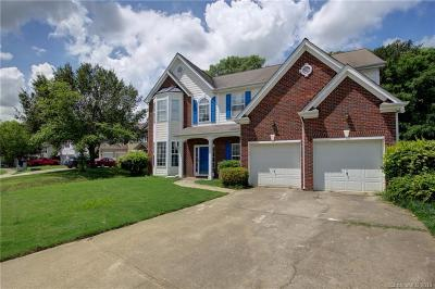Charlotte Single Family Home For Sale: 11439 Fox Hill Drive