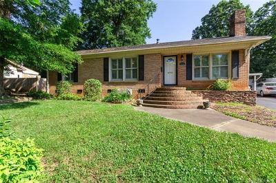 Charlotte Single Family Home For Sale: 7111 Woodstream Drive