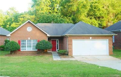 Charlotte Single Family Home For Sale: 7220 Brighton Brook Drive