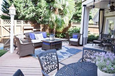 Cornelius Condo/Townhouse For Sale: 17740 Kings Point Drive