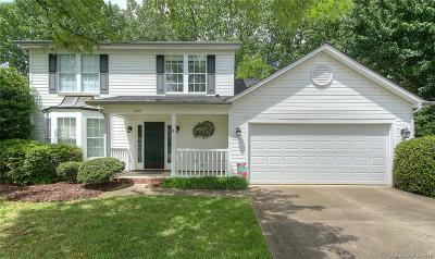 Single Family Home Under Contract-Show: 6302 S Bend Lane