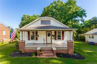 Mooresville Single Family Home For Sale: 769 Pine Street