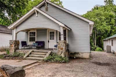 Mooresville Single Family Home For Sale: 224 Wilson Avenue E