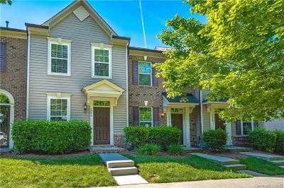 Huntersville Condo/Townhouse For Sale: 6956 Colonial Garden Drive