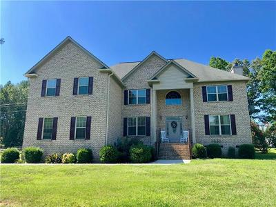Mooresville Single Family Home For Sale: 141 Albany Drive #1