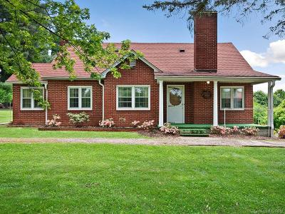 Haywood County Single Family Home For Sale: 598 Thompson Cove Road