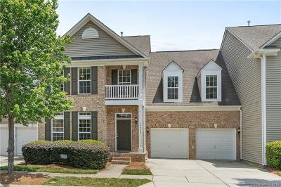 Huntersville Condo/Townhouse For Sale: 14922 Rocky Top Drive