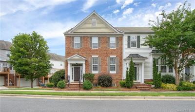 Condo/Townhouse Under Contract-Show: 15227 Kessler Drive