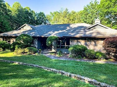 Hendersonville Single Family Home Under Contract-Show: 107 Pheasant Run