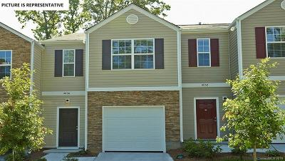 Charlotte Condo/Townhouse For Sale: 6116 Guildford Hill Lane #4D