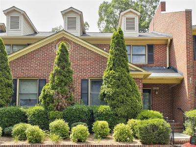 Charlotte Condo/Townhouse Under Contract-Show: 8441 Coulwood Oak Lane