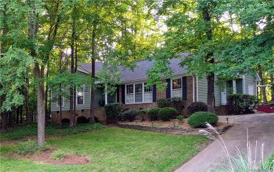 Charlotte Single Family Home For Sale: 7614 Robin Crest Road