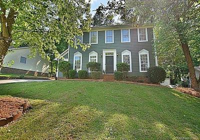 Charlotte Single Family Home For Sale: 9906 Elsenham Lane