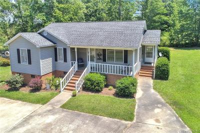 Single Family Home Under Contract-Show: 4499 Taxahaw Road