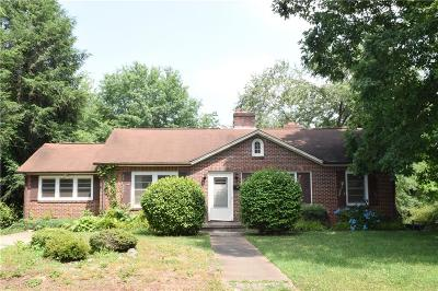 Hickory Single Family Home For Sale: 1514 3rd Street NW