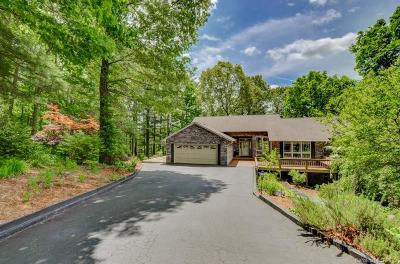 Henderson County Single Family Home For Sale: 2060 Deep Woods Drive