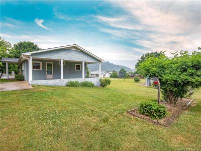 Waynesville Single Family Home For Sale: 105 Hendrix Street
