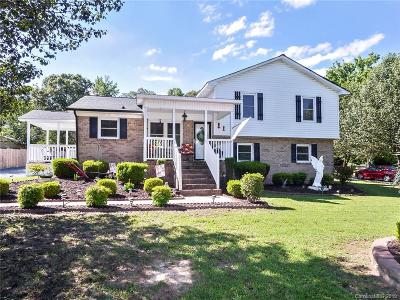 Matthews Single Family Home For Sale: 309 Catawba Circle