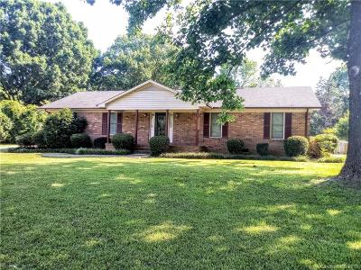 Charlotte Single Family Home For Sale: 10010 Robinson Church Road