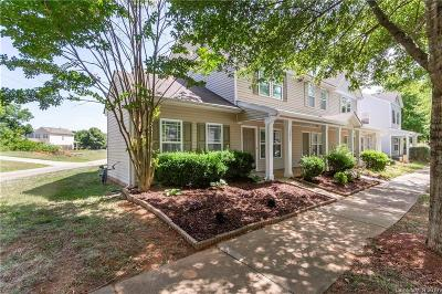 Huntersville Condo/Townhouse For Sale: 12821 Windy Lea Lane