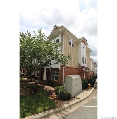 Charlotte Condo/Townhouse For Auction: 2632 Weddington Avenue