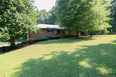 Cornelius Single Family Home For Sale: 18662 Statesville Road