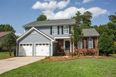 Mooresville Single Family Home For Sale: 212 Fox Hollow Road