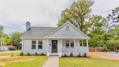 Rock Hill Single Family Home Under Contract-Show: 530 Confederate Avenue