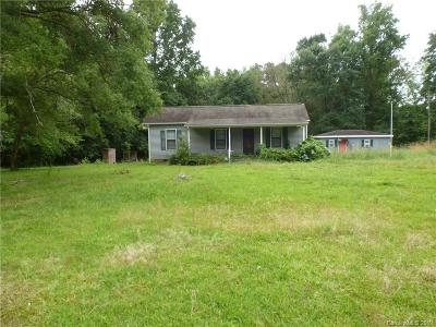 Single Family Home Under Contract-Show: 915 Providence Road