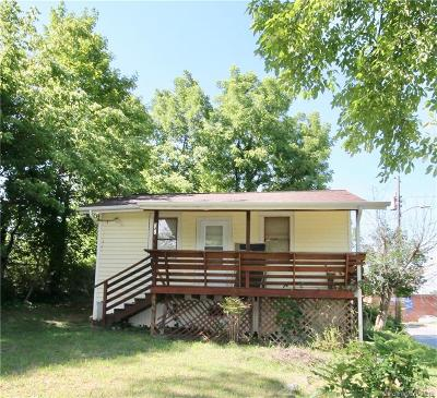 Single Family Home For Sale: 141 Pennsylvania Avenue