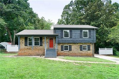 Charlotte NC Single Family Home For Sale: $304,999
