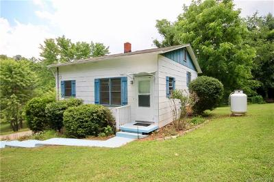 Asheville Single Family Home Under Contract-Show: 21 Oak Crescent Drive