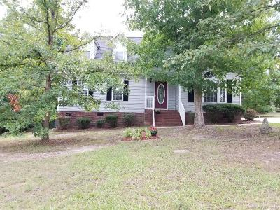 Single Family Home Under Contract-Show: 3006 Setters Lane