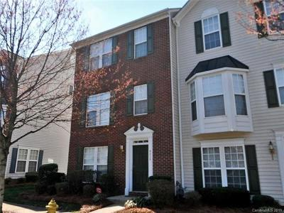 Huntersville Condo/Townhouse For Sale: 9630 Blossom Hill Drive