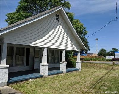 Mooresville Single Family Home For Sale: 636 Broad Street