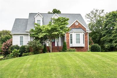 Newton Single Family Home For Sale: 1152 Wind Bluff Court