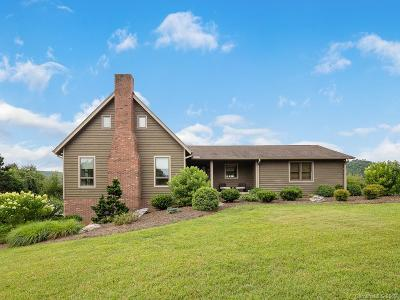 Hendersonville Single Family Home For Sale: 762 Crooked Creek Road