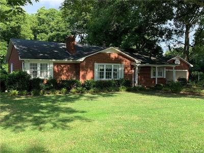 Single Family Home Under Contract-Show: 208 N Main Street
