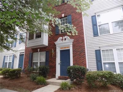 Huntersville Condo/Townhouse For Sale: 9646 Blossom Hill Drive