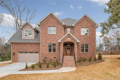 Charlotte Single Family Home For Sale: 102 Meadowbrook Road