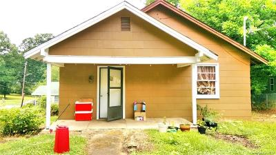 Catawba County Single Family Home For Sale: 354 8th Ave Drive SW